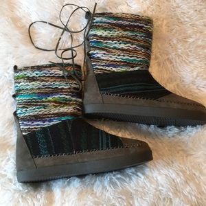 Toms sweater boots